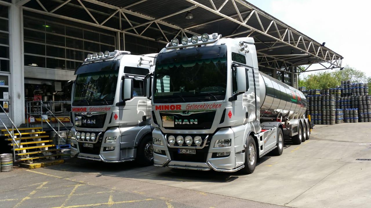 Biertransporte der Spedition Minor. Spezialisiert auf den Transport flüssiger Produkte.